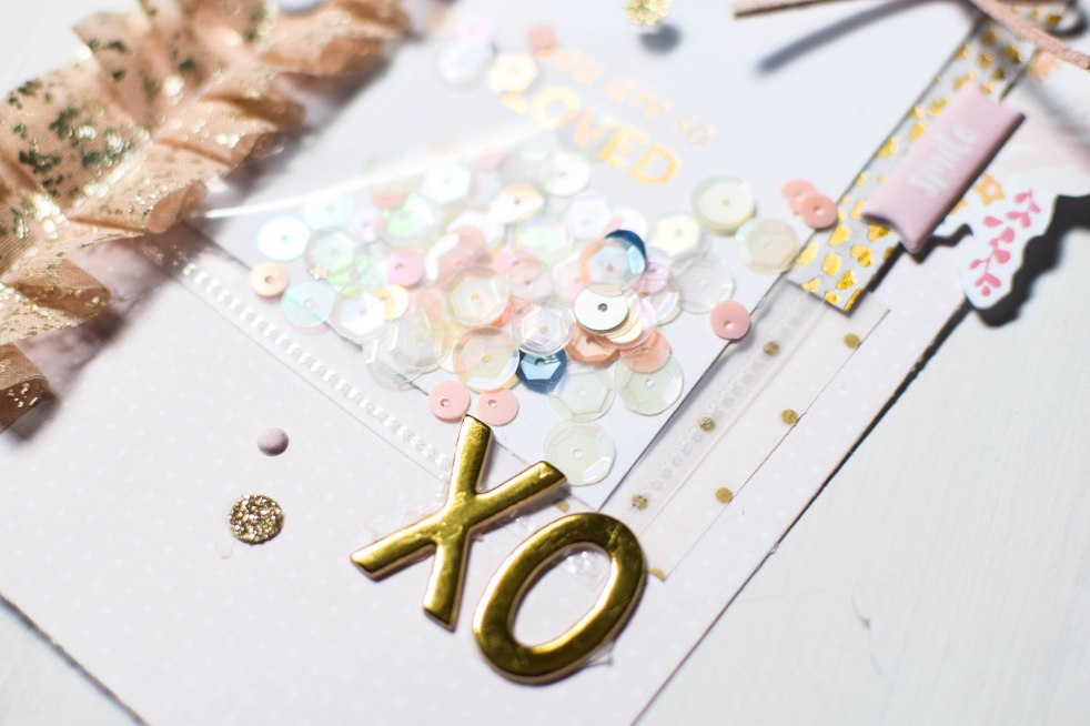 Sequins + gold paper happy mail #spiegelmomscraps #createwithsms #glitter #sequins #scrapbooking #happymail #papercrafting